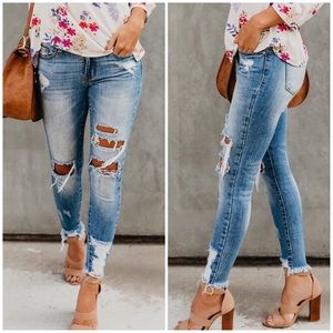 Denim - Ripped & Frayed Perfect Fit skinnies light wash